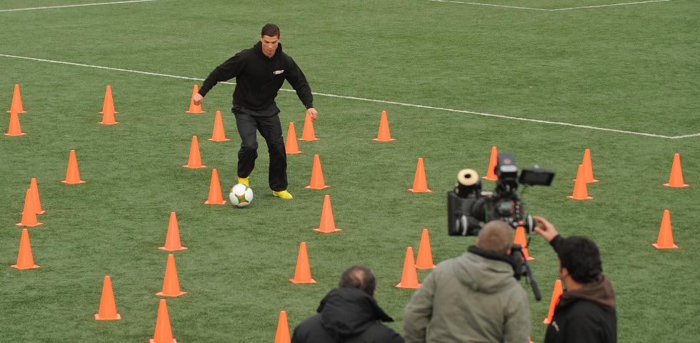 castrol-challenge-ronaldo-video-image